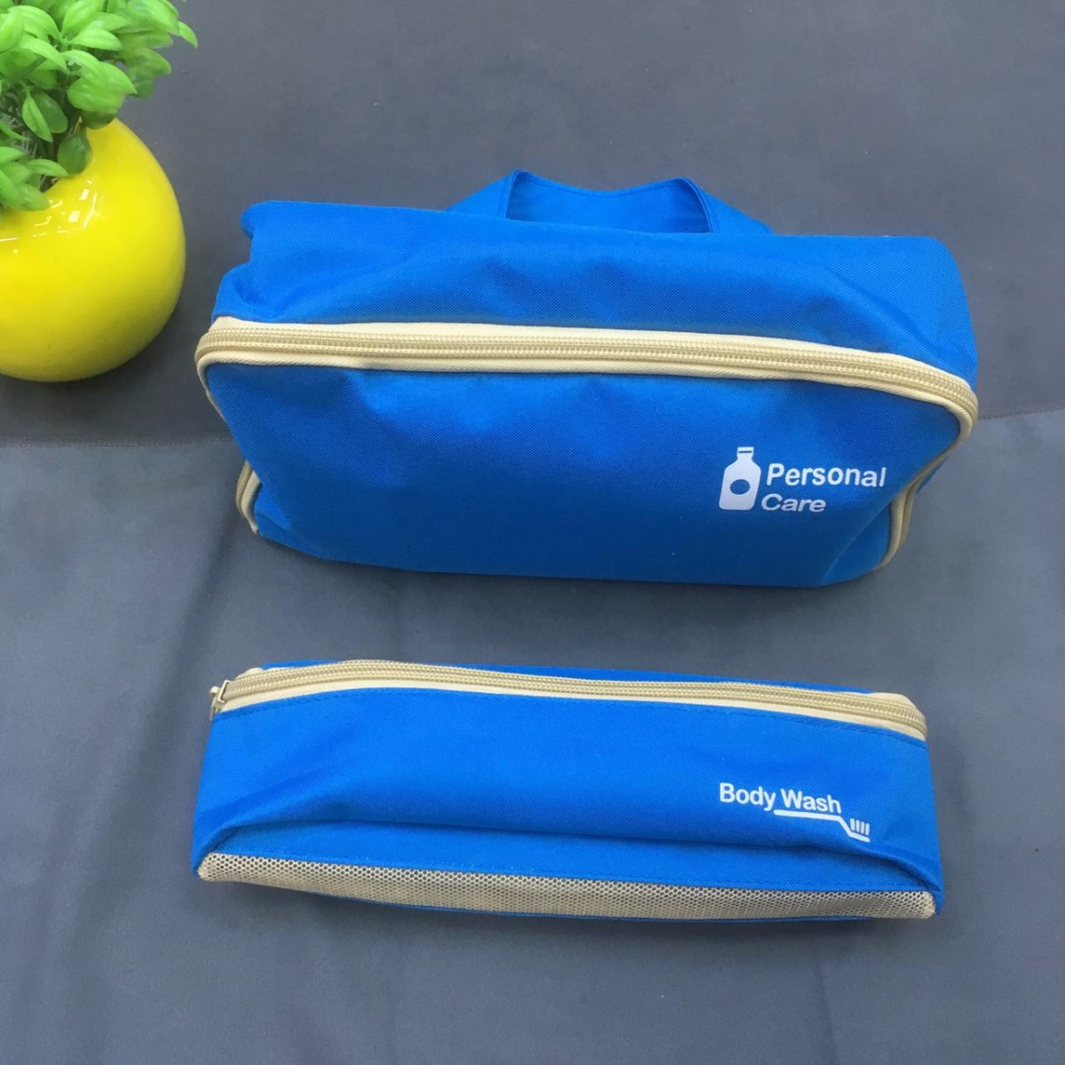 large capacity toiletry bag