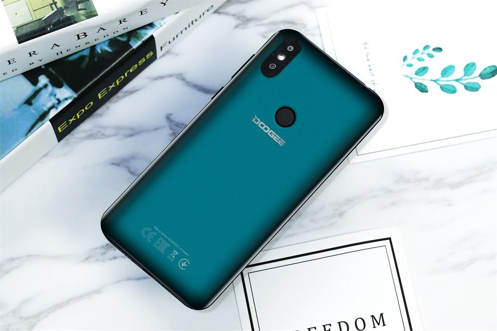 Doogee Y8 - diseño de apariencia como una ventaja competitiva DOOGEE-Y8-4G-Smartphone-4