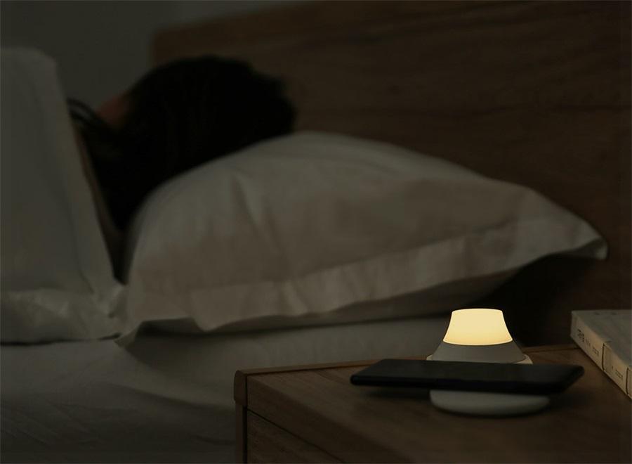 xiaomi yeelight smart wireless charging night lamp