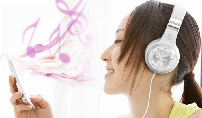 noise cancelling headphones